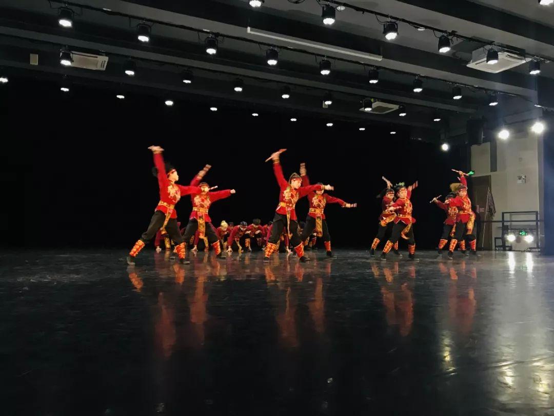 南昌街舞_【7月5日首播】CCTV3《舞蹈世界》暑期特别节目《街舞英雄》广东 ...